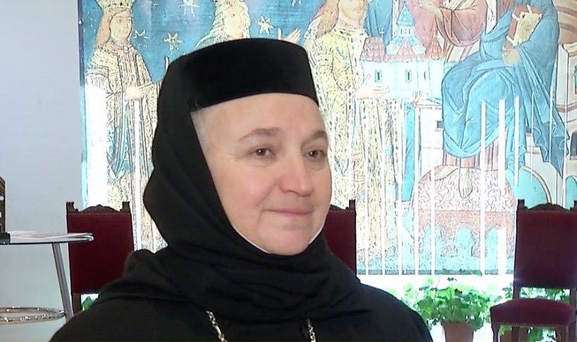 """Cum se va desfășura slujba de Înviere la Mănăstirea Voroneț: """"O să înconjurăm biserica, vom face toată slujba în curte"""""""