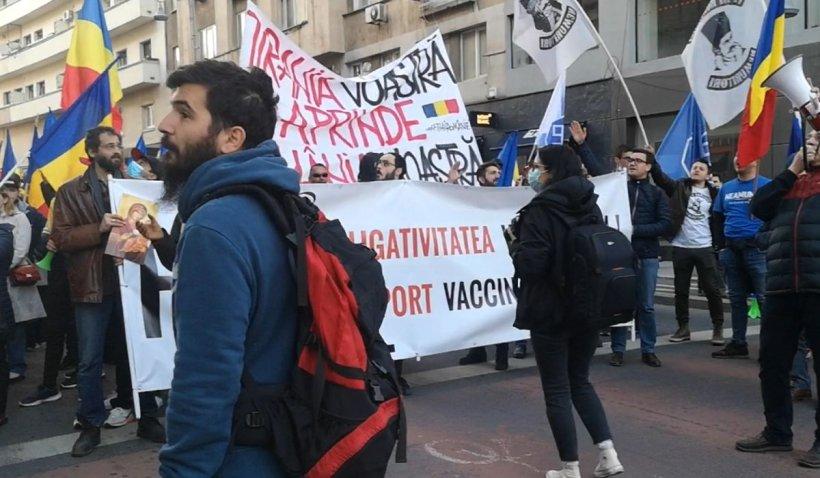 Români din toată ţara la protest în Bucureşti: Am venit să ne cerem dreptul la libertate!