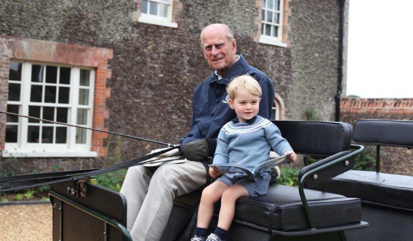 """Mesajele prinților William și Harry, tribut adus bunicului lor, Prințul Philip: """"El a fost bunicul meu: maestru al grătarului, legendă a glumelor, jucăuş până la final"""""""