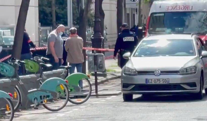 O persoana ucisă și alta rănită, într-un atac armat în fața unui spital din Paris