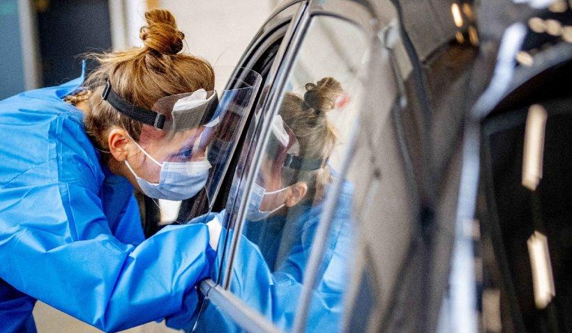 Primul centru de vaccinare direct în mașină va fi deschis în Hunedoara