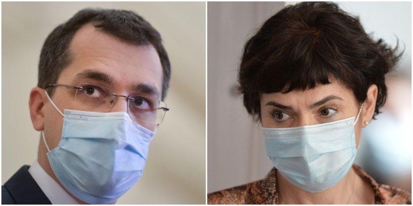 România, fără ministru al Sănătății în pandemie. Vlad Voiculescu, la aceeași masă cu Andreea Moldovan