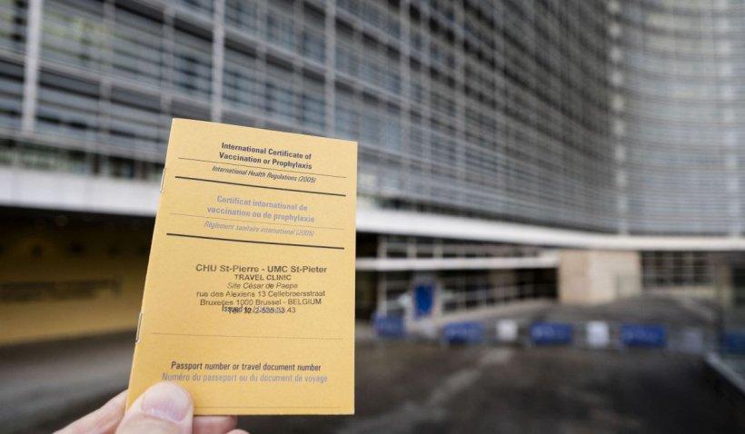 Implicaţiile certificatului de vaccinare asupra confidenţialităţii datelor, discutate în Parlamentul European