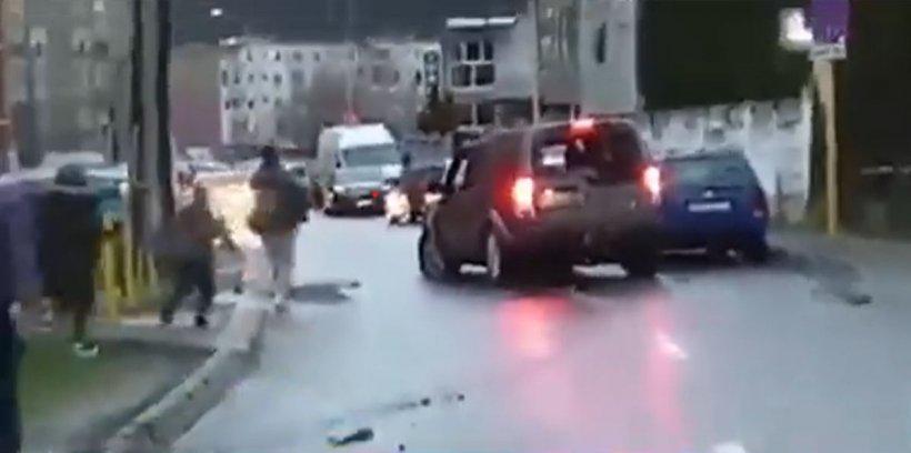 Fiul lui Sever Mureșan a distrus 12 mașini într-o parcare din Brașov. Tânărul era supărat pe iubita lui