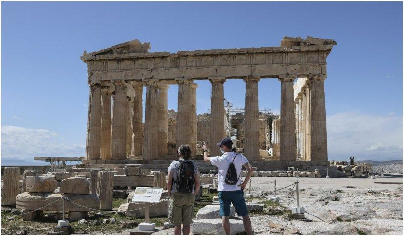 Grecia îşi deschide graniţele pentru turiştii vaccinaţi începând de săptămâna viitoare