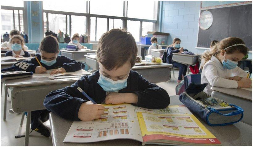 Doctorii din Ungaria îi cer lui Viktor Orban să nu permită întoarcerea copiilor la şcoală