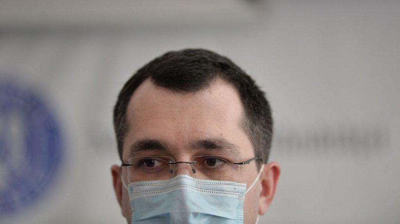 Consilierul onorific al ministrului Sănătății a luat din centrul de comandă 300 de documente confidenţiale