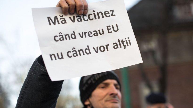 Persoanele vaccinate mai stau în carantină dacă au intrat în contact direct cu o persoană COVID pozitivă?