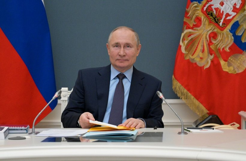 Putin cere populației să se vaccineze împotriva COVID-19
