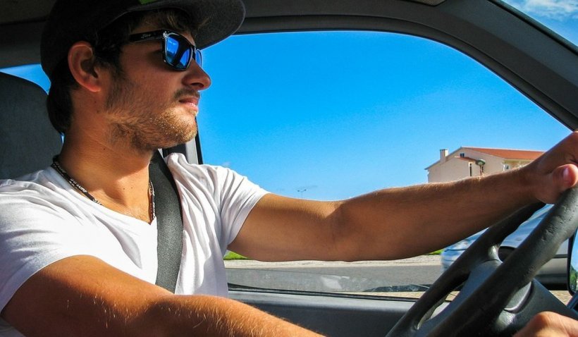 RCA mai scump pentru şoferii tineri, la toate categoriile de autovehicule