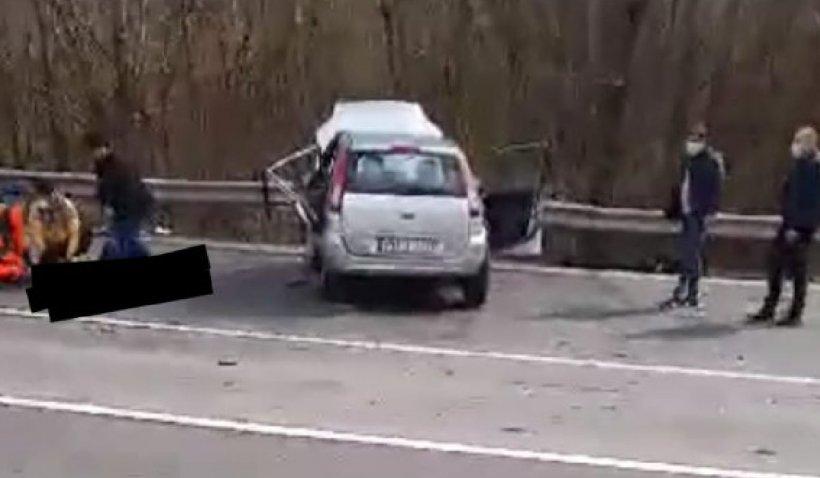 Accident pe DN1, zona Cornu. Un bărbat a murit şi alte două persoane sunt rănite