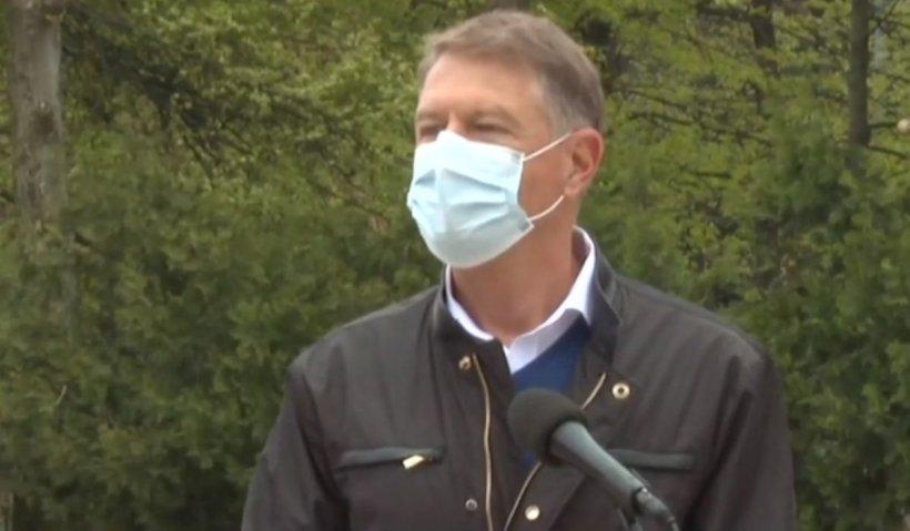 """Klaus Iohannis: """"Mergeţi şi vă vaccinaţi! Dacă nu, oamenii se vor îmbolnăvi în continuare iar unii vor muri"""""""