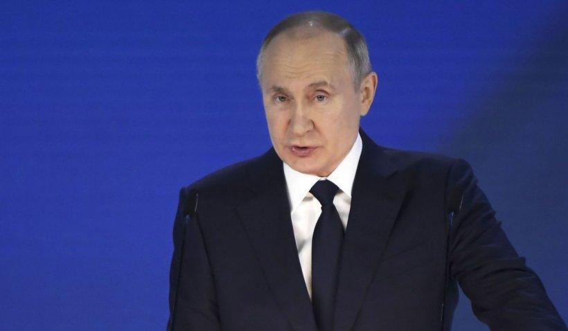 Vladimir Putin le dă ruşilor zile libere după Paşte, pentru a opri creşterea infecţiilor cu COVID