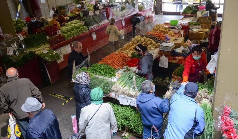 Controale de amploare în piețe. Polițiștii și ANPC avertizează cu privire la capcanele alimentelor de Paște