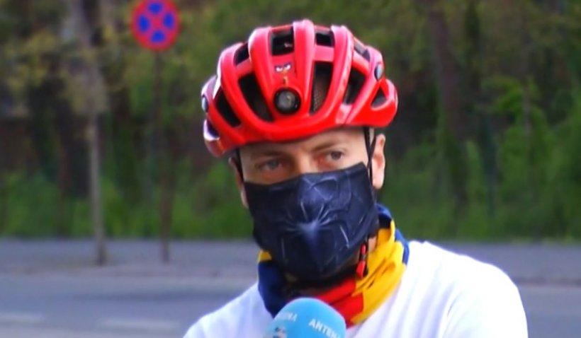 """3.000 de kilometri pe bicicletă, pentru copii. Alexandru Ungureanu, operator Antena 3, într-o acțiune alături de """"Salvați Copiii"""""""
