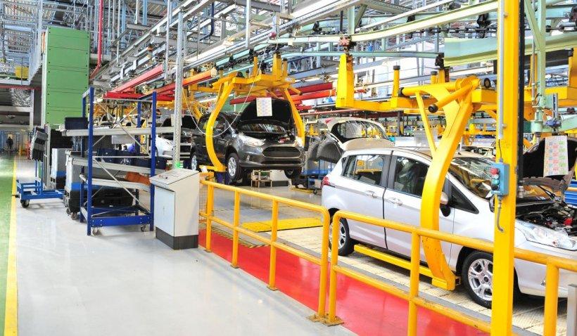 Ford opreşte, din nou, producţia de maşini la Craiova şi trimite acasă un întreg schimb de muncitori