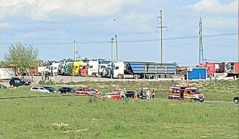 Un poliţist care s-a urcat băut la volan s-a răsturnat cu maşina pe câmp, de mai multe ori