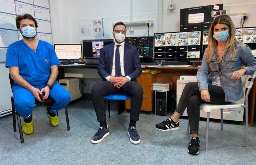 """Totul despre recuperarea post-COVID. Dr. Remus Mihalcea: """"Pacienții rămân și 6 luni fără miros"""""""