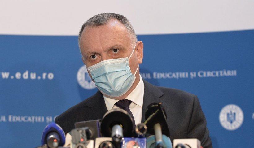 Sorin Cîmpeanu: Elevii vor reveni în bănci în data de 5 mai. Cei din clasele terminale mai au doar o lună de școală