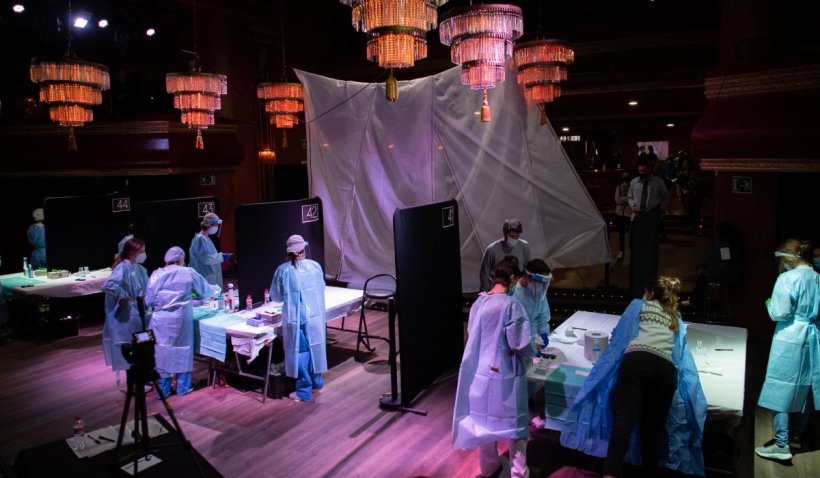 Din 5.000 de participanți la un concert niciunul nu s-a infectat cu COVID-19: Concluziile medicilor după testul făcut în Barcelona