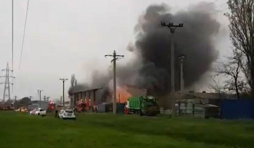 Mesaj RO-Alert, după izbucnirea unui incendiu la un depozit de deşeuri din Buzău