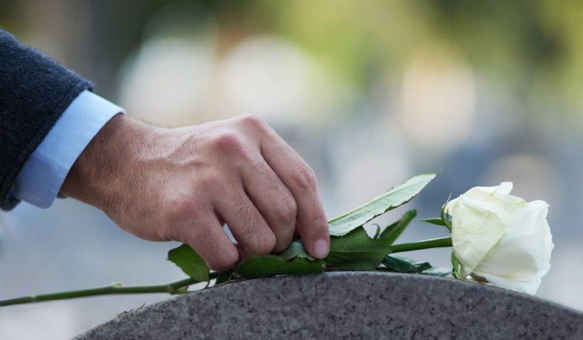 Optează pentru serviciile funerare oferite de Funerare.ro! Aceștia organizează înmormântări care respectă tradițiile !