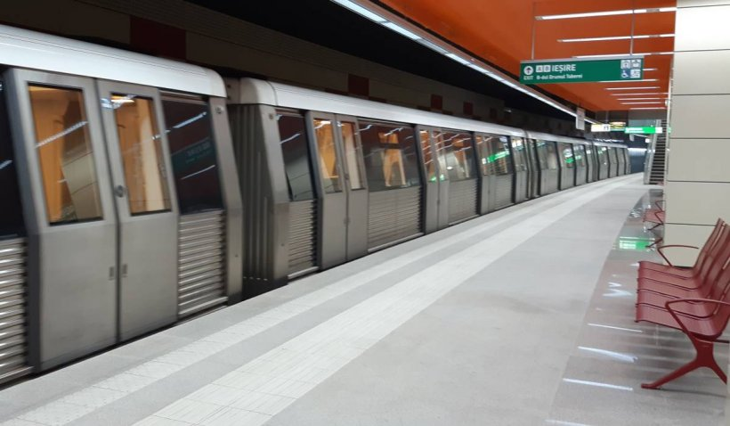 Exerciţiu cu zeci de pompieri şi mai multe autospeciale de intervenţie la staţia de metrou Piaţa Muncii