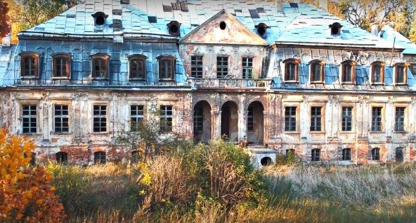 Vănătorii de comori vor să dezgroape cele 48 de lăzi cu aur ale lui Hitler de sub un palat folosit ca bordel, în Polonia