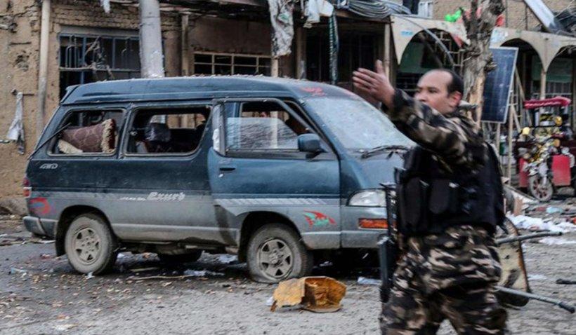 Atentat cu mașină capcană în Afganistan. Cel puțin 30 de morți și 60 de răniți