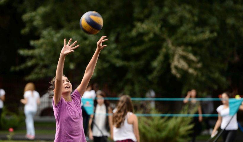Curțile și terenurile școlilor din Sectorul 6, deschise pentru sport și recreere de la 1 mai