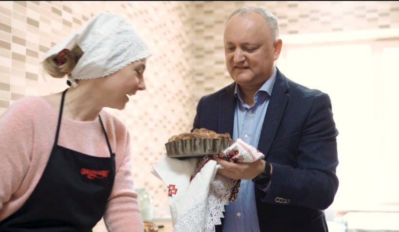 Cum a reuşit, de fapt, fostul preşedinte moldovean Igor Dodon să scoată cozonacul din cuptor cu mâinile goale