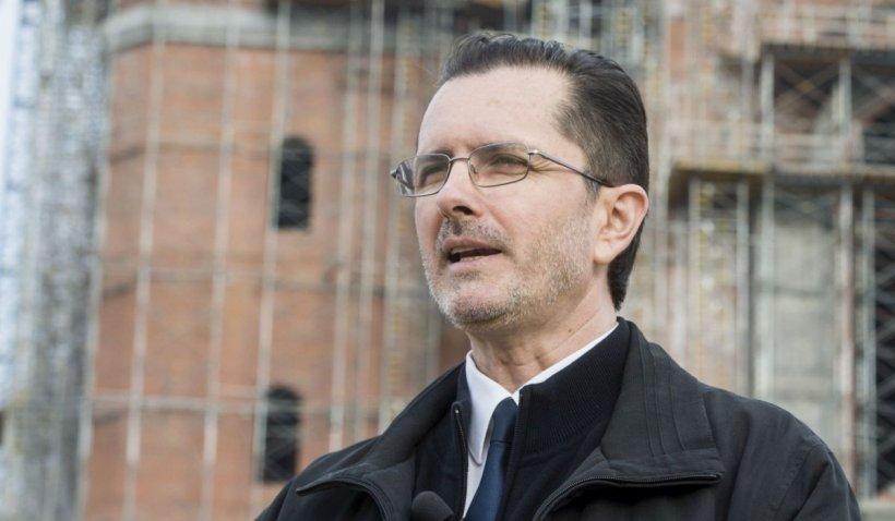 Vasile Bănescu se declară cutremurat de declaraţia preoţilor anti-vaccin