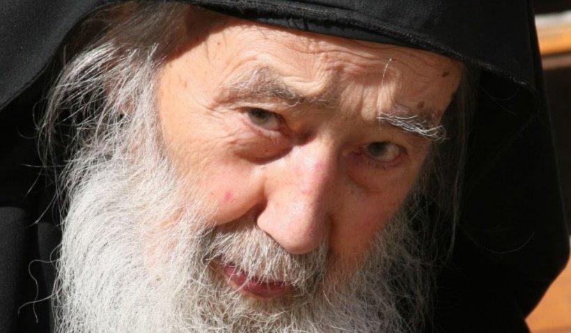 """Cinci sfaturi pentru pacea sufletului de la părintele Petroniu Tănase: """"Fereşte-te de a judeca pe alţii"""""""