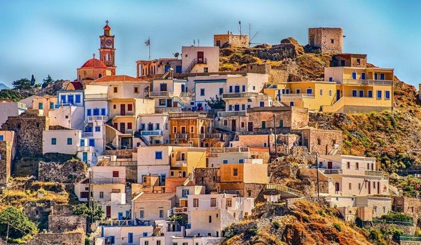 Grecia a redeschis terasele, cafenelele si restaurantele după o pauză de șase luni