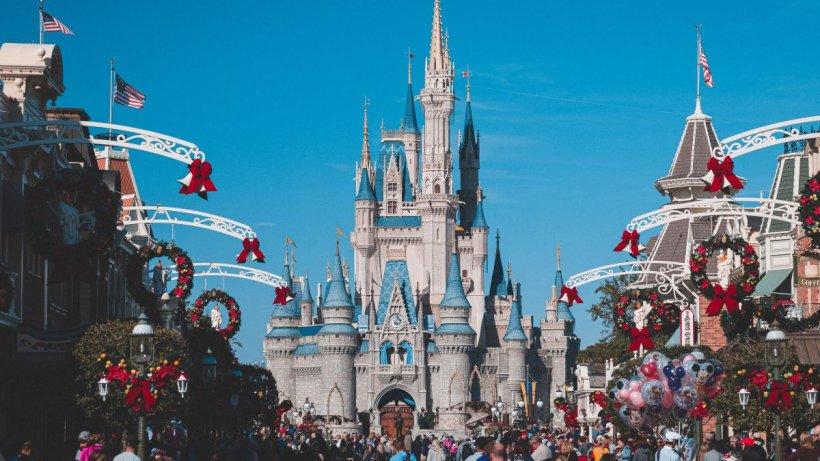 Show la un pas de a fi anulat la Disneyland, pentru că Albă ca Zăpada, care doarme, nu își poate da consimțământul pentru sărut