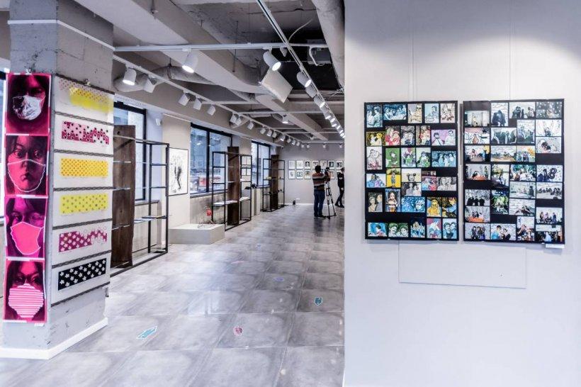Schimbarile produse in ultimul an: inspiratie pentru artistii sustinuti de Galeria Senso