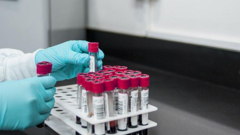 Primele 3 cazuri de infectare cu tulpini de coronavirus rezistente la vaccin, confirmate în România