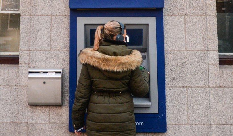 Cine își mai poate amâna ratele la bancă și care sunt pașii de urmat