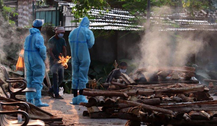 Reportaj CNN: India, cu 400.000 de infectări zilnice cu COVID, nu vede lumina de la capătul tunelului
