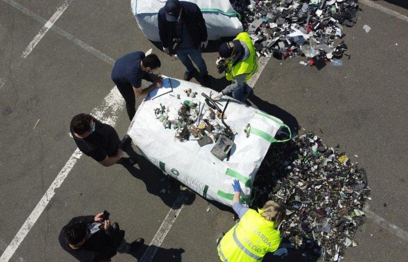 10 containere încărcate cu deșeuri, depistate în Portul Constanta Sud Agigea
