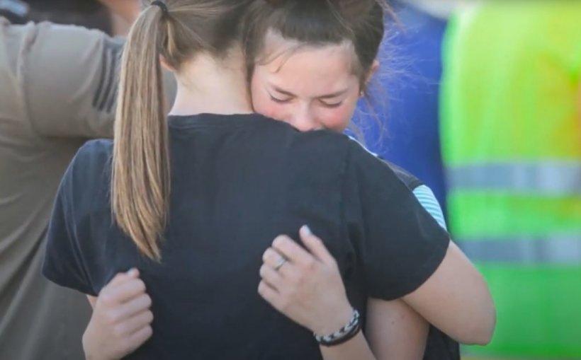 O fată de clasa a șasea a împuşcat trei oameni într-o școală din SUA până să fie pusă la pământ de o profesoară