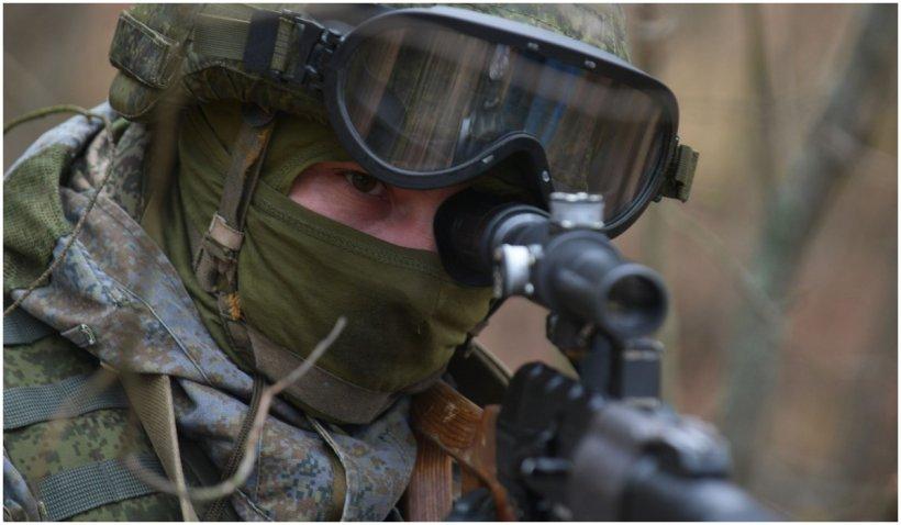 80.000 de soldați ruși rămân la granița cu Ucraina, deşi Putin a anunţat retragerea trupelor
