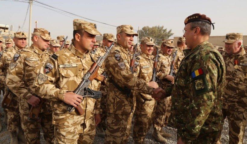 Primii militari români din Afganistan s-au întors acasă