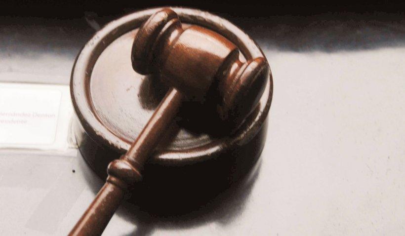 Un bărbat din Constanța a câștigat 50 de mii de lei daune morale, după ce și-a dat în judecată fosta soție, pentru că l-a înșelat