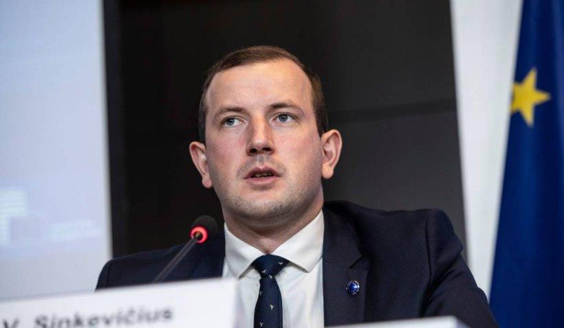 Comisarul european pentru Mediu analizează cazul ursului Arthur