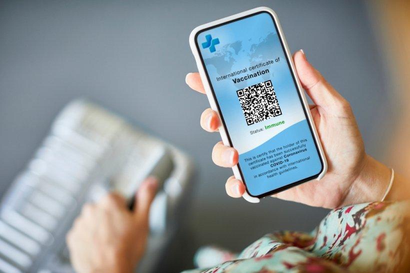 Pașaportul COVID va conține un cod QR și se va putea descărca dintr-un portal web securizat