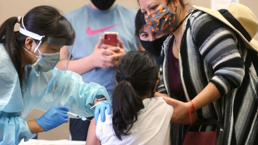 Vaccinul Pfizer a fost aprobat pentru copiii cu vârste cuprinse între 12 și 15 ani