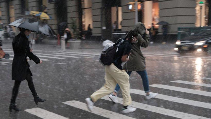 ANM: Cod galben de ploi, vijelii și grindină în mai multe județe ale țării