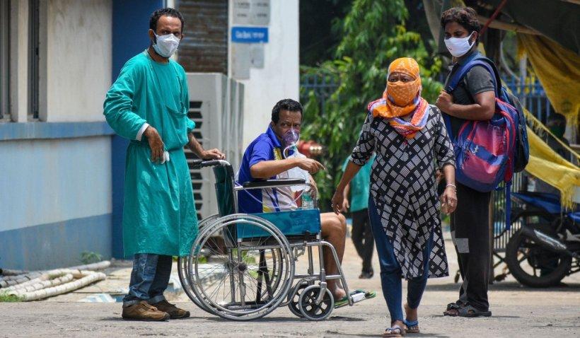 Comisia Europeană, apel către statele membre UE pentru limitarea călătoriilor din India