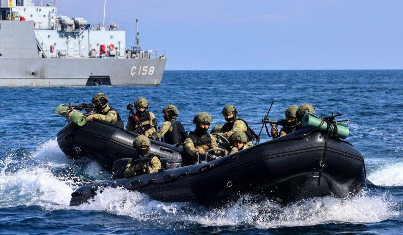 Exerciţii militare de amploare în Marea Neagră: Echipele US NAVY Seals participă la acţiuni de pregătire alături de forţe ale României şi Spaniei